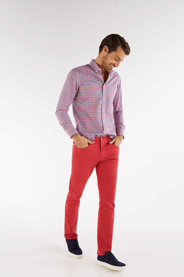 97ab0a37e0 Cortefiel Pantalón 5 bolsillos color tailored fit Rojo