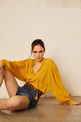 Cortefiel Camisa flluida cuello redondo Amarillo