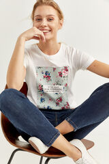 Springfield Camiseta Gráfica Texto y Flor blanco