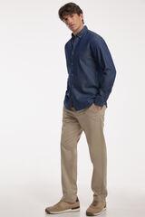 Conjunto camisa denim y pantalón chino PdH