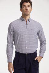 Conjunto camisa Oxford PdH y pantalón chino de pana