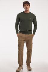 Conjunto jersey cuello caja y pantalones cargo Milano