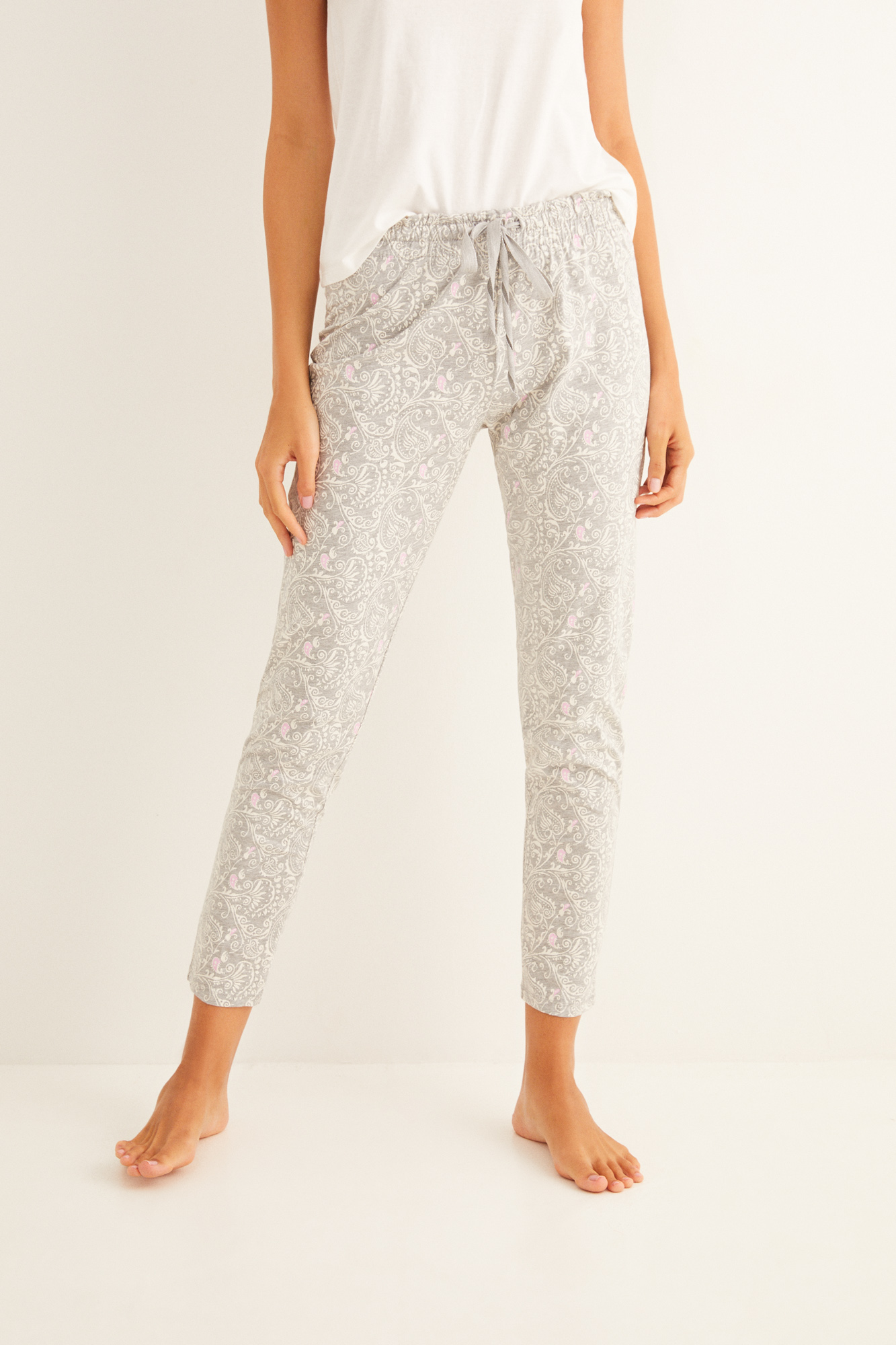 Pantalón largo de pijama estampado gris